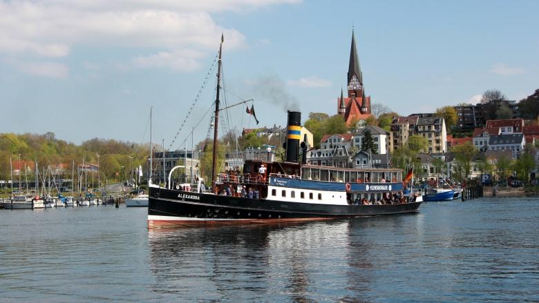 Salondampfer Alexandra: Wahrzeichen der Flensburger Förde