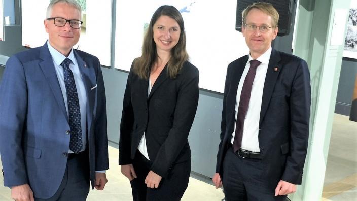 Frischgebackene Landtagskandidatin: Uta Wentzel umrahmt von CDU-Landes- und Kreisvorsitzendem